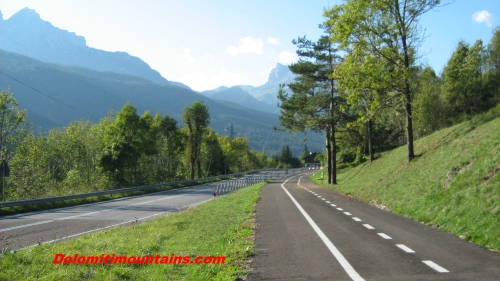 cycling dolomites the track near the road