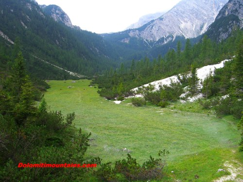 the valley under the glacier