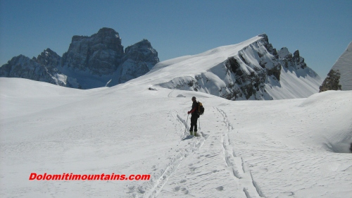 going up Mondeval with alpine skis