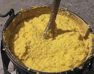 pentola di polenta di mais
