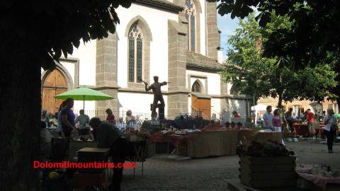 predazzo statue
